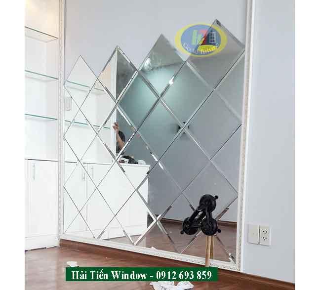 Mẫu gương ghép trang trí phòng khách đẹp tại hà nội