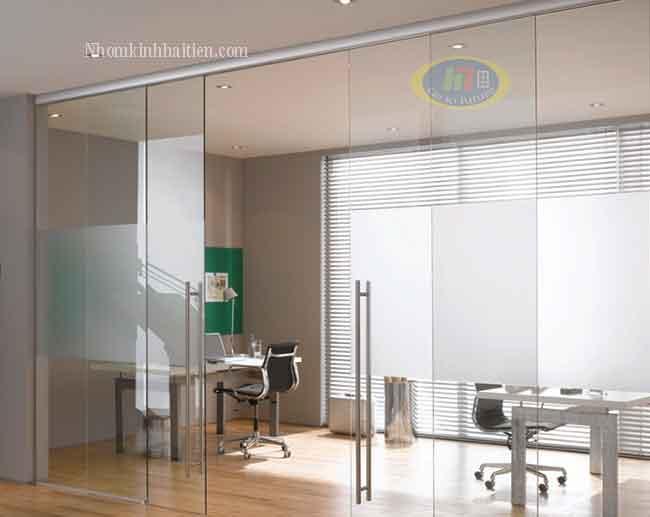 Cửa kính lùa treo ray nhôm